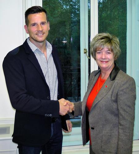 Matt Franks take over from Viv Blumfield as Chairman of the BPMA